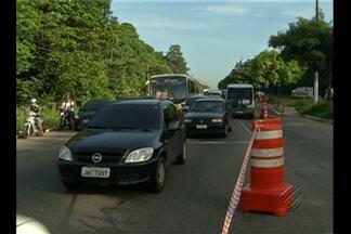 Augusto Montenegro tem trânsito engarrafado e ônibus lotados por causa das obras do BRT - Por causa dessa interdição quem precisa passar pela avenida Augusto Montenegro enfrentou um dia complicado.
