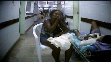 Pacientes esperam atendimento em ambiente degradante em emergência no Maranhão - Em São Luís, as duas emergências são conhecidas como Socorrão 1 e Socorrão 2. Os locais mais parecem um inferno. Doentes e acompanhantes padecem, pioram ou adoecem.