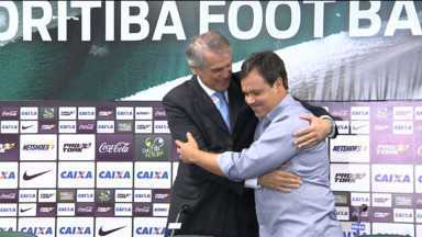 Dado Cavalcanti foi apresentado ontem como novo técnico do Coritiba - Durante a coletiva, o presidente do clube confirmou que Alex continua no Coritiba e que Tcheco será o novo gerente de futebol.