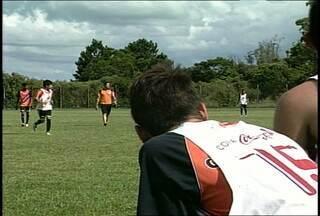 Time de futebol de Santa Maria, RS, está na final de uma competição em Brasília. - Jovens do time Novo Horizonte vão disputar a final da Copa Coca-Cola neste domingo.