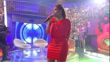 Gaby Amarantos canta no palco do Caldeirão - Cantora cantou a música da Copa 2014: 'Todo Mundo'