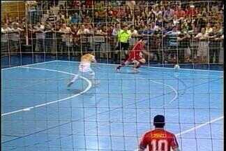 Partida de futsal busca ajudar entidades de Carazinho, RS - De um lado estarão os atletas que competiram na Taça RBS de Futsal, e do outro, os jogadores do América de Tapera e convidados.