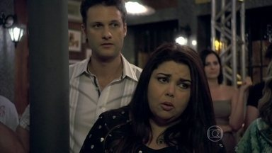 Perséfone sugere que Patrícia e Silvia troquem os maridos - Elas aceitam a ideia. Guto vai para o flat de Silvia, enquanto Michel vai para o apartamento de Patrícia