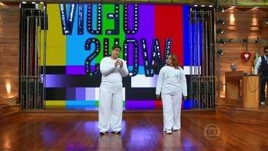 Com roupa que engorda, Zeca e Renata Ceribelli relembram Medida Certa - Visual dos dois no palco é bem diferente da realidade