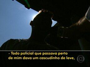 MP vai investigar ação de PMs que agrediram motoqueiro em SP - O Ministério Público investigará a conduta dos dois policiais militares rodoviários que agrediram um motoqueiro no primeiro dia do ano. O rapaz tinha chutado um radar móvel na Rodovia Raposo Tavares.