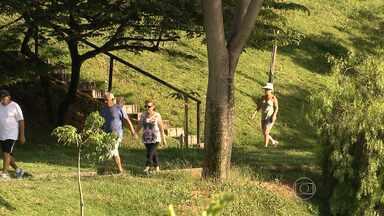 Alto número de assaltos assusta frequentadores da Barragem Santa Lúcia - Segundo moradores, são registrados assaltos todos os dias no local. Idosos e mulheres são as principais vítimas do criminosos.