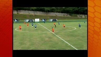 Felipe Menezes faz gol do meio de campo em jogo-treino do Palmeiras - Meia começou a temporada mostrando muita categoria
