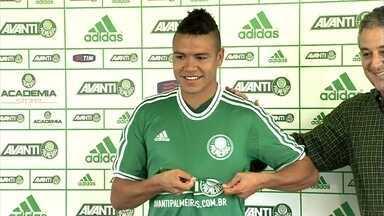 Marquinhos Gabriel é o sétimo reforço do Palmeiras para 2014 - Jogador foi apresentado e projeta estrear na terceira rodada do Paulistão