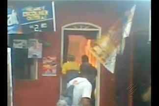 Vídeo mostra incêndio que causou a morte de uma criança em Ananindeua - Incêndio ocorreu na noite da última quarta (15), em Águas Lindas.