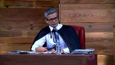 Vídeo Show começa com julgamento de Félix - Didi Effe investiga a primeira acusação