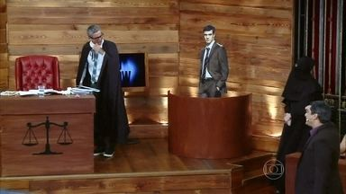 Félix também é julgado pelo sequestro de Paulinha - Veja a cena em que Félix planeja sequestro com Ninho