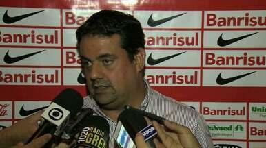 Forlán não participa de treino do Inter nesta quinta-feira (16) - Jogador foi liberado para participar de evento da Copa do Mundo no Uruguai.