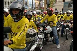 800 mototaxistas de Belém já podem fazer o transporte de passageiros na capital - A autorização foi assinada nesta quinta-feira (16) pelo prefeito Zenaldo Coutinho.