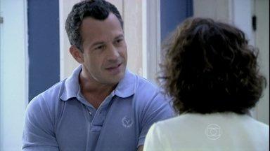Bruno não aceita o namoro de Ordália e Herbert. - Ele reprime Luciano após ouvir sua opinião