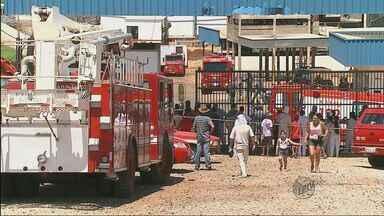 Fiscalização interdita frigorífico após acidente com vazamento de amônia em Porto Ferreira - Fiscalização interdita frigorífico após acidente com vazamento de amônia em Porto Ferreira.