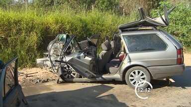 Dois homens ficam feridos após acidente na zona sul de São José dos Campos, SP - Dois homens, com aproximadamente 35 anos, ficaram feridos em um acidente registrado na manhã desta terça-feira (21) na zona sul de São José dos Campos. O Corpo de Bombeiros informou que a colisão ocorreu por volta das 8h.