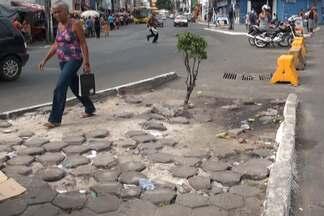 Prefeitura apresenta projeto de recuperação de calçadas em Salvador - Prefeitura vai fiscalizar as caçadas da cidade e notificar o responsável quando encontrar algum problema..
