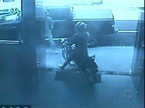 Um assalto por dia assusta moradores de Paranavaí - Só nos primeiros 21 dias do ano, foram 22 assaltos em Paranavaí. Os comerciantes têm sido as principais vítimas.