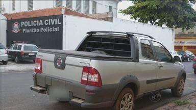 Picape roubada é recuperada em Franca, SP - Veículo teria sido furtado no dia 6 de dezembro em Minas Gerais.