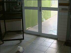 Escola municipal de Maringá é alvo de vandalismo e furto - É a segunda vez que a escola passa pela mesma situação