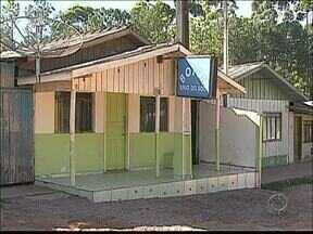 Seis pessoas são presas por envolvimento com prostituição - Havia crianças morando em uma casa.