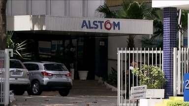 Ex-diretor diz que Alstom autorizou pagamento de propina por filial brasileira - O ex-diretor da Alstom disse em depoimento à justiça da França que a multinacional autorizou que a filial no Brasil pagasse propina para fechar um negócio com o governo de São Paulo, em 1998.