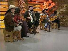 Jadir Oliveira e Jadir Oliveira Filho, Luciano Maia e Fátima Gimenez estiveram no Galpão - Músicos participaram do programa em setembro de 2013.