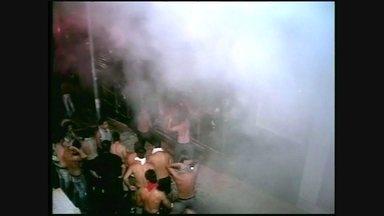 Casas noturnas funcionam em situação irregular um ano após tragédia no RS - Incêndio na Boate Kiss aconteceu porque várias normas de segurança foram desrespeitadas. Ainda não existe uma lei federal de prevenção e combate a incêndios e casas noturnas.