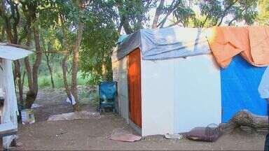 Quatro Famílias estão acampadas em área de preservação em São Carlos, SP - Quatro Famílias estão acampadas em área de preservação em São Carlos, SP