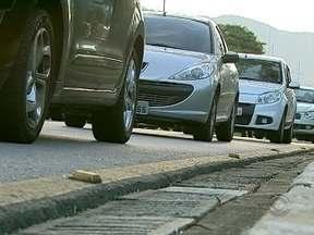 Veículo deve estar em dia para motorista não ficar na mão nas filas e em dias de calor - Veículo deve estar em dia para motorista não ficar na mão nas filas e em dias de calor