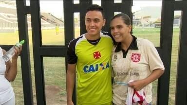 Após boa atuação, Montoya vira o preferido da torcida feminina do Vasco - Colombiano diz estar mais confiante para temporada 2014.