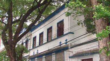 Casarão abandonado no Centro do Recife que virou ponto de droga vai ser recuperado - Restauração será feita pela Igreja Católica.