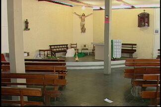 Comunidade São Francisco de Assis é furtada em Mogi das Cruzes - Ladrões levaram equipamentos e alimentos de cestas básicas que seriam doadas.