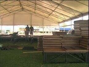 Show rural emprega mais de quatro mil trabalhadores temporários - Três meses antes de começar o evento já tinha gente empregada trabalhando na organização.