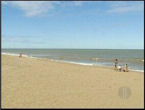 Duas praias estão impróprias para banho em São João da Barra, RJ - Inea divulgou relatório de balneabilidade das praias da região.Frequentadores das praias reclamam da falta de informação.