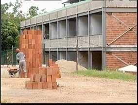 Obras de novo prédio do CEFET está em fase final de acabamento - Bloco B pode receber novos estudantes. Obras devem terminar em maio de 2014.