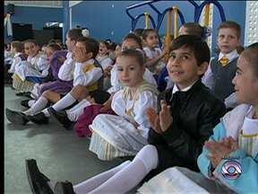 Matrículas para atividades do Pró-Família começam nesta terça-feira em Blumenau - Pró-Família oferece atividades para crianças e adolescentes.