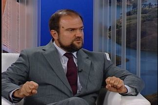 """Diretor do Detran São Paulo fala sobre a """"Lei Seca"""" - O Diretor-presidente do Detran, Daniel Anhembero fala sobre o que é permitido e não na """"Lei Seca"""""""