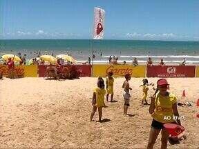 Tenda da TV Gazeta movimenta Praia do Morro em Guarapari, ES - Do local, especialistas dão dicas para o Carnaval.