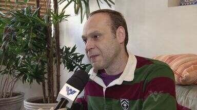 Diretor João Fonseca conta mais sobre sua história - Diretor, que esteve a frente de diversos sucessos dos palcos e da TV conversou conversou com a TV Tribuna