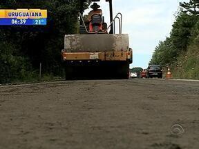 Após um mês de atraso, começam as obras de asfaltamento na Rota do Sol, na Serra do RS - Pavimentação vai ser realizada nos 53 km do trecho que vai de Caxias do Sul, RS, a Lajeado Grande, RS.