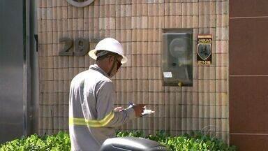 Eletrobras faz mutirão para cortar energia elétrica de imóveis em Maceió - A ação de corte por inadimplência começou hoje. Cerca de 3.600 consumidores devem ter fornecimento suspenso.
