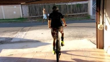 Conheça melhor Magno Nazaré, o campeão do Tour do Brasil de ciclismo - O atleta, que é casado com uma também ciclista, faz tudo de bicicleta e quase não tira o carro da garagem.