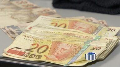 Polícia civil prende integrantes de quadrilha que roubou caixas eletrônicos na Embraer - Com eles foram apreendidos dois pacotes de dinheiro roubado de caixas eletrônicos, além de celulares, uma touca e porções de droga.