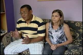 Família de jovem morta em Ferraz pede mais rapidez para resultado do exame de DNA - O exame de DNA vai apontar se o principal suspeito teve ou não participação no crime. Universitária foi estuprada e morta em 2013.