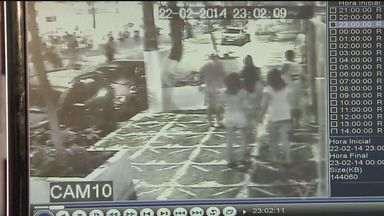 Arrastões assustam moradores de Guarujá, SP - Onda de crimes preocupa cidadãos e autoridades.