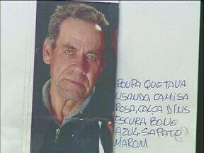 Filhos de idoso desaparecido há uma semana estão em Foz a procura do pai - Eles estão colando cartazes com a foto do pai desaparecido em vários locais em Foz do Iguaçu e em Cidade do Leste.Mas até agora não tiveram nenhuma informação.