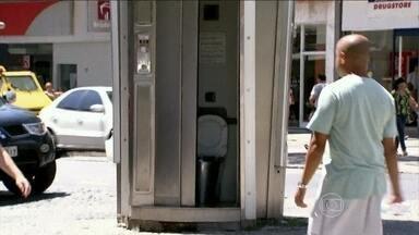 No RJ, maioria dos banheiros públicos estão fechados - Mais Você encontrou mais um problema: o mau cheiro