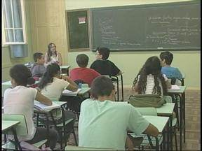 Pelo menos 15 mil alunos de Uruguaiana, RS, retornaram às aulas nesta segunda-feira - Em toda a região foram quase 40 mil estudantes da rede estadual de ensino.