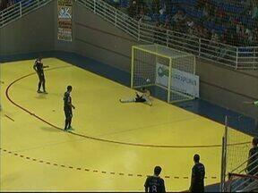 Futsal de Guarapuava empata com Joinville em Amistoso - A partida foi no fim de semana no Joaquim Prestes e terminou em três a três. O próximo amistoso é nesta sexta-feira contra a equipe de Pitanga.